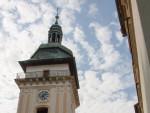 Věž kostela a nebesa